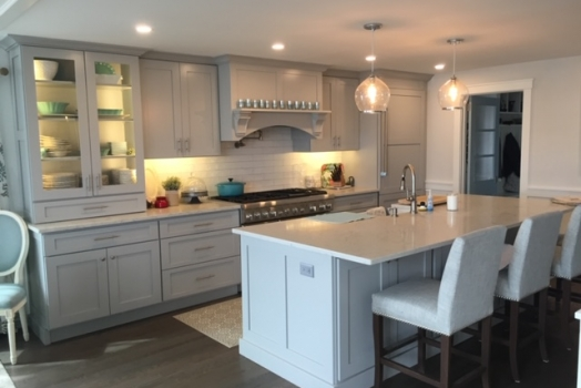 Minuet Quartz Kitchen Countertop with subway tiles Backsplash