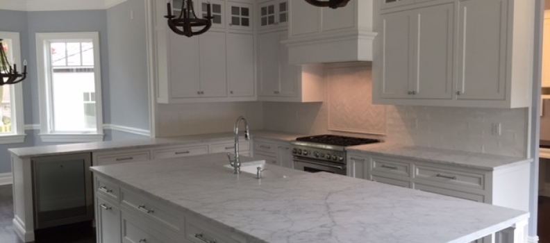 White Carrara Hone Marble with White Porcelain Backsplash